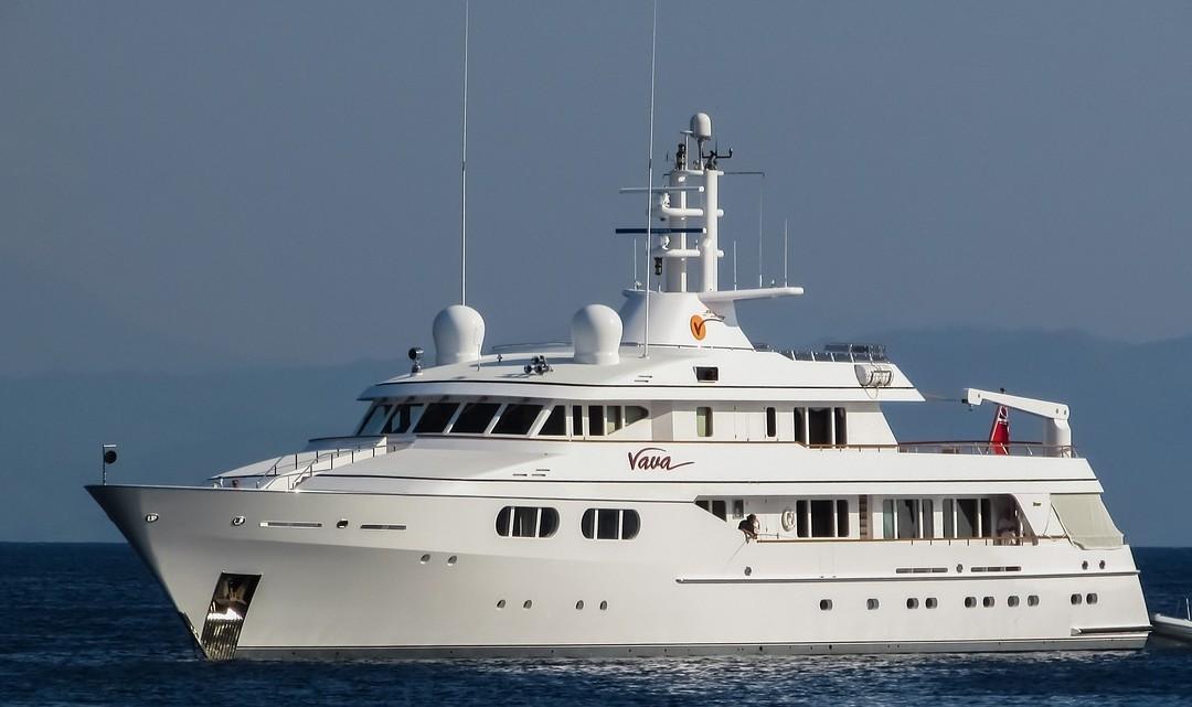 Faites appelà une société spécialisée pour entretenir votre yacht