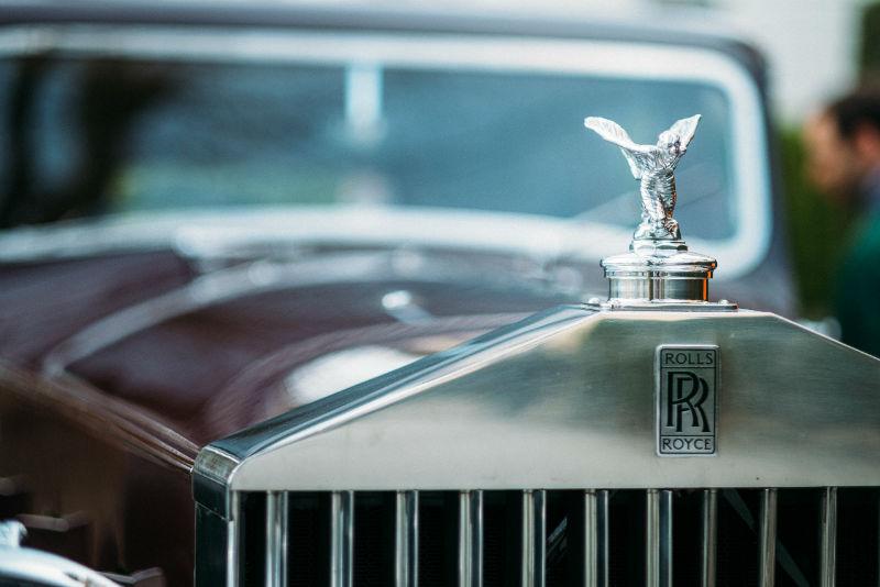 Voiture de collection Rolls Royce prête à être déplacée