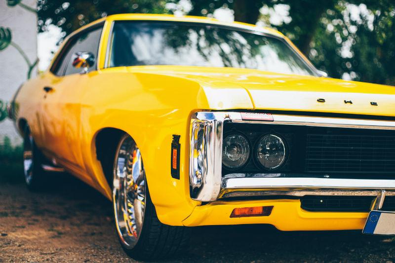 Comment faire voyager sa voiture de collection en sécurité ?